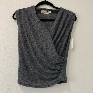 Sleeveless grey women's top